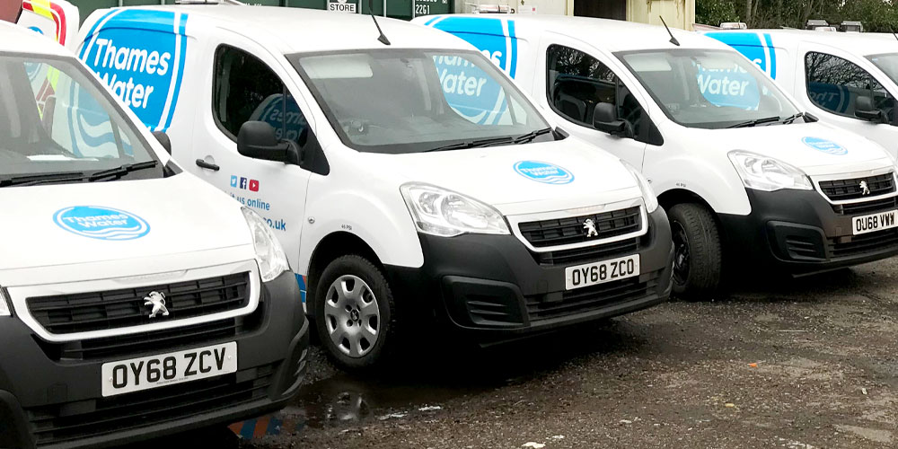 Water Distribution Experts - Thames water van